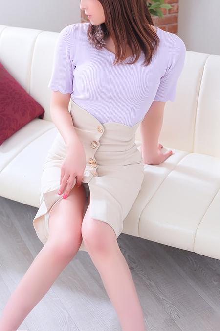 吉野虹花(24)