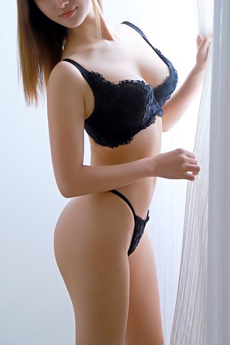 友田かな(26)