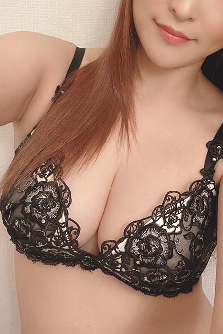 高倉 奈々子(28)